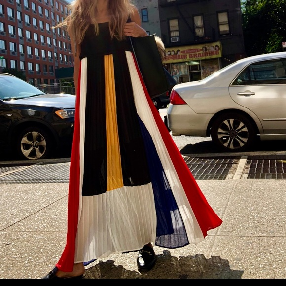 Dresses & Skirts - Color-block accordion pleat maxi dress